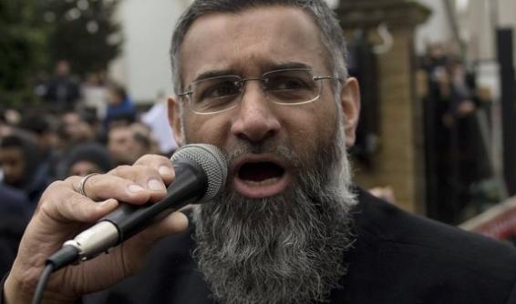 بريطانيا، تفرج عن رجل الدين المتطرف تشودري.
