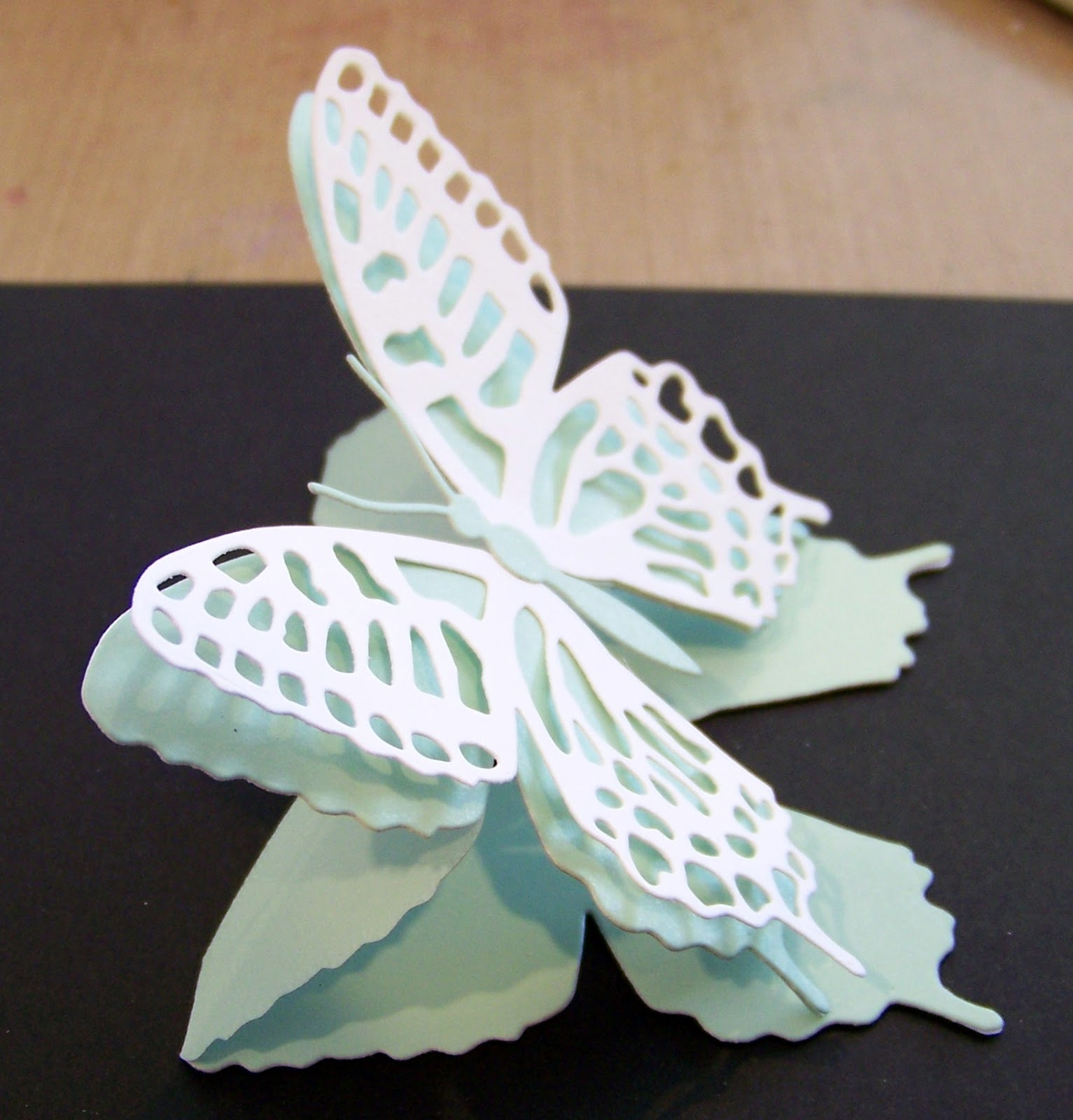 Ann Greenspan's Crafts: Butterfly Shaped Easel Card