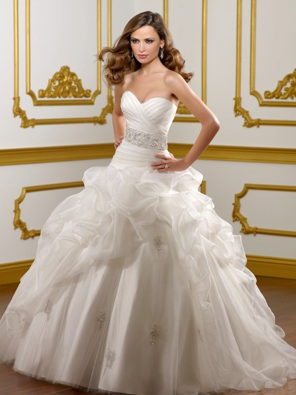 Sweet Ball Gown Ivory Organza Pick-Ups Sweetheart Wedding Dresses