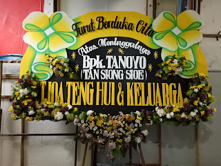 bunga papan duka cita slempang pita bunga tengah