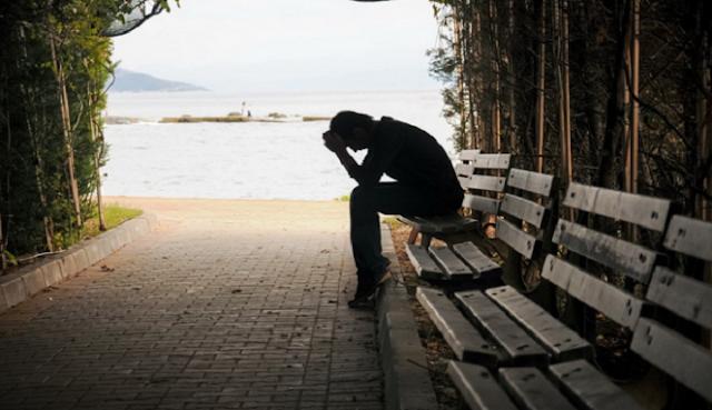 Rasakan Energi Positif Orang Lain untuk Menghapus Kesedihanmu