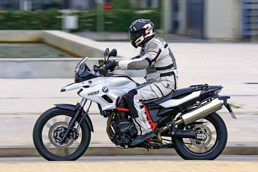 2016 bmw f700gs review bigger isn t always better real riders. Black Bedroom Furniture Sets. Home Design Ideas