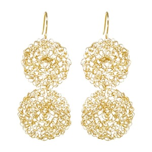 Oscar Jewelry: Gold earrings