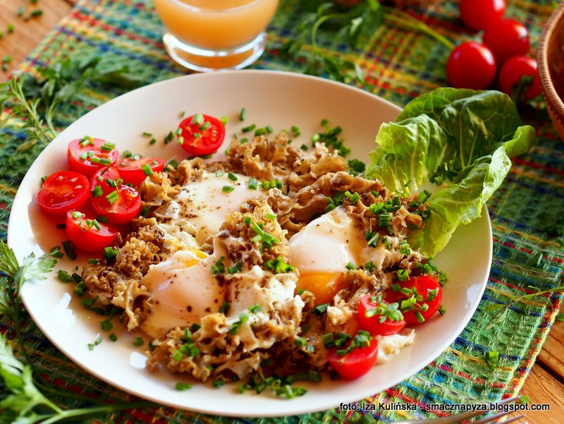 jajka na siedzuniu, kozia broda, siedzun sosnowy, sparassis crispa, grzyb jadalny, grzyby z jajkami, jaja, sniadanie, pyszne sniadanko, sniadanie mistrzow