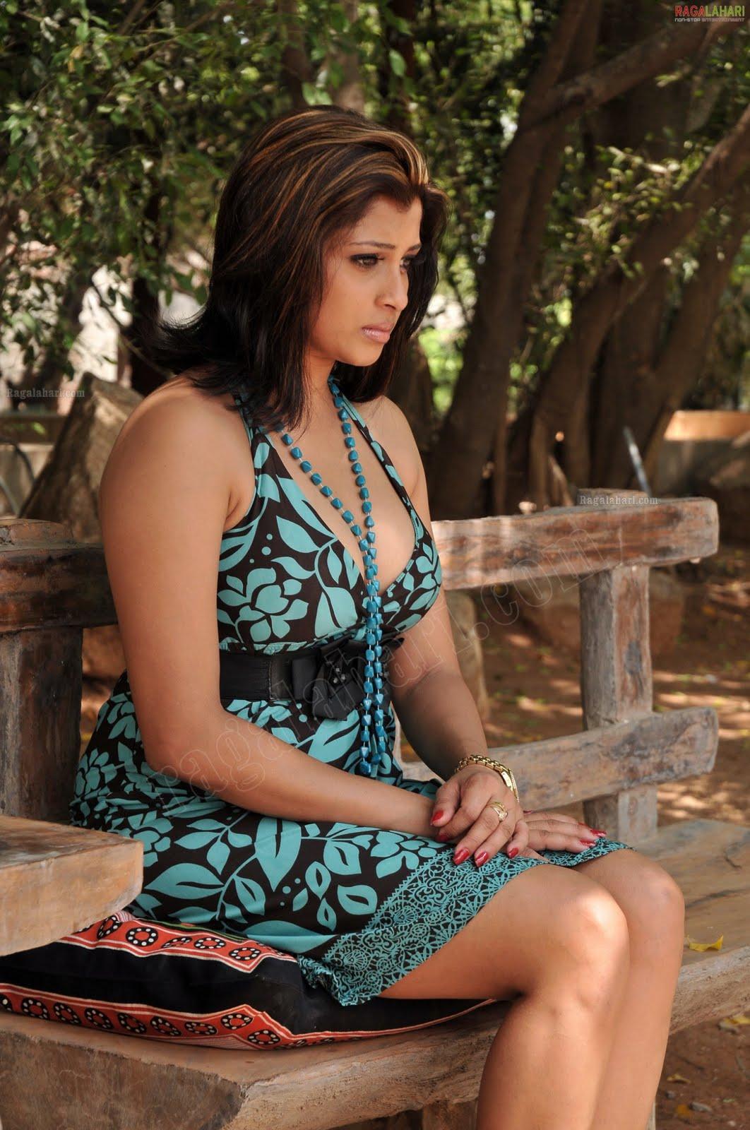 sl hot actress new photos
