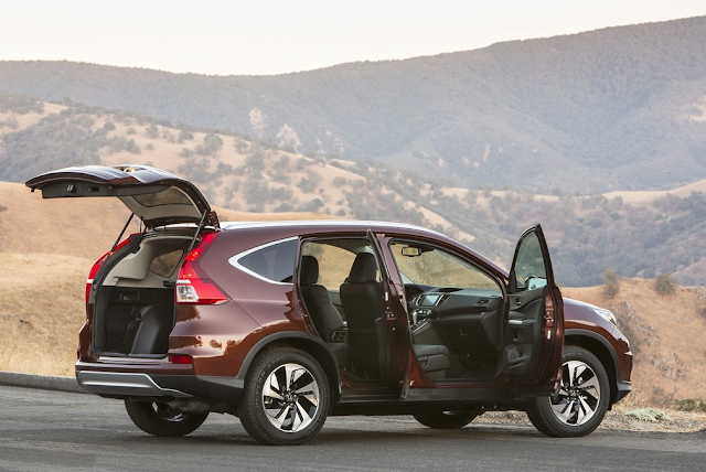 2015 Honda CR-V doors open