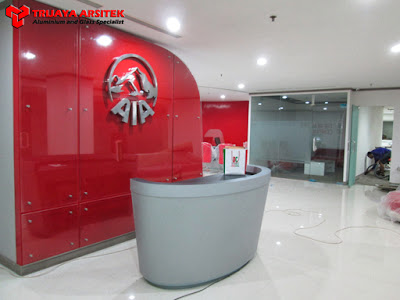 Letter Stainless, Partisi Aluminium & Kaca, Pintu Kaca Frameles, Trijaya Aluminium, Proyek Surabaya,