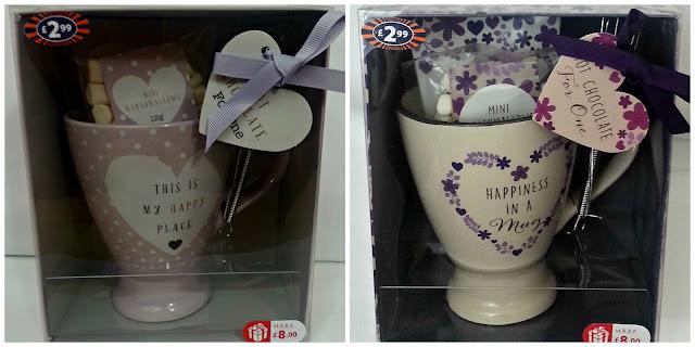Hot chocolate mug sets in display boxes
