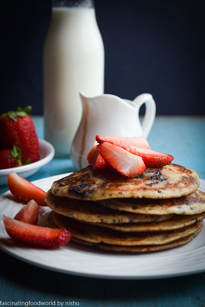 Fascinatingfoodworld eggless whole wheat chocolate pancakes pancakes are traditionally made with eggs milk and flour but i have used wholewheat flour and yoghurt in this recipe to make pancakes healthy ccuart Choice Image
