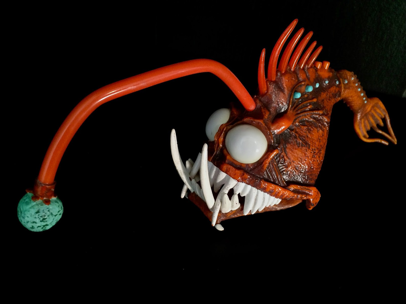 Dan the pixar fan finding nemo anglerfish light up for Angler fish light