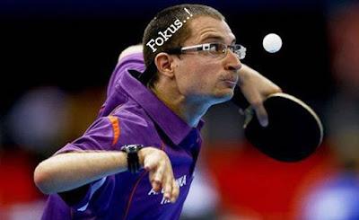 gambar olahraga tenis meja fokus tapi lucu