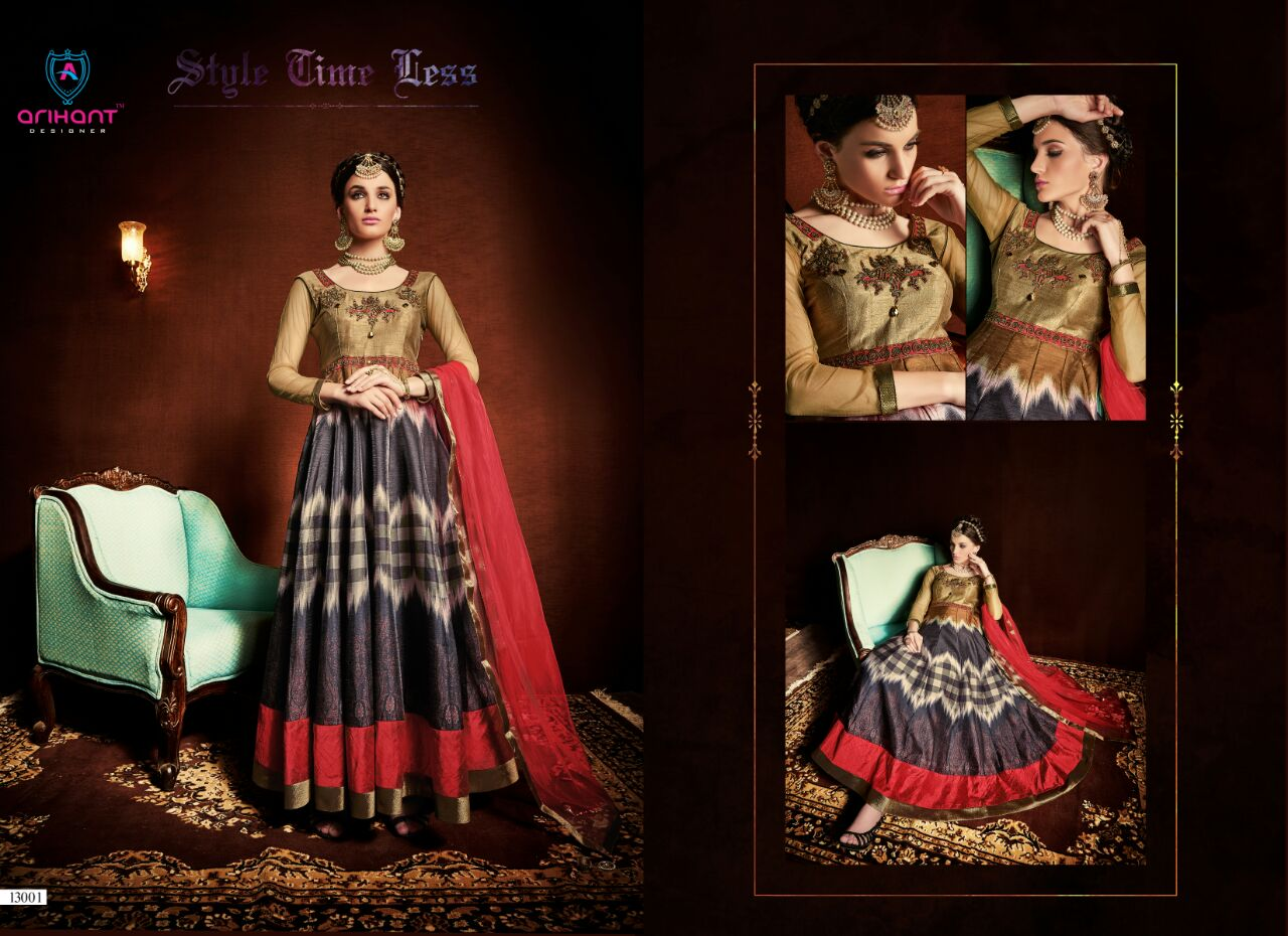 Mohenjo – Printed Tapeta Silk With Jari & Diamond Work Gown