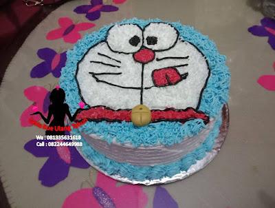 Kue Tart ButterCream Karakter Bentuk Doraemon