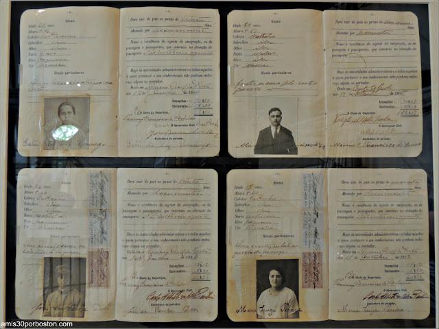 Pasaportes en el Azorean Whaleman Gallery del Museo de las Ballenas de New Bedford