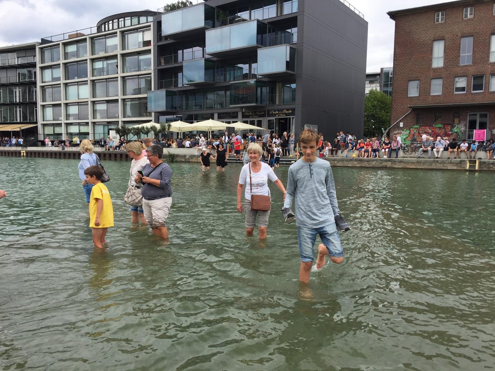 In Münster übers Wasser laufen.