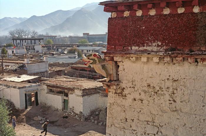 Tibet, Lhassa, Lion des neiges, © L. Gigout, 1990