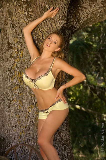 hot-and-sexy-Jordan-Carver-Swing-photo-shoot-hd-pic-5