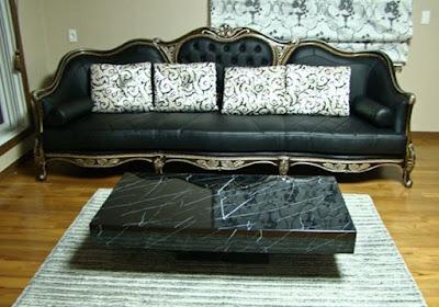 sofa keluarga warna hitam