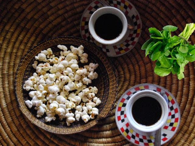 القهوة والفشار والجرجير اغذية صحية مفيدة
