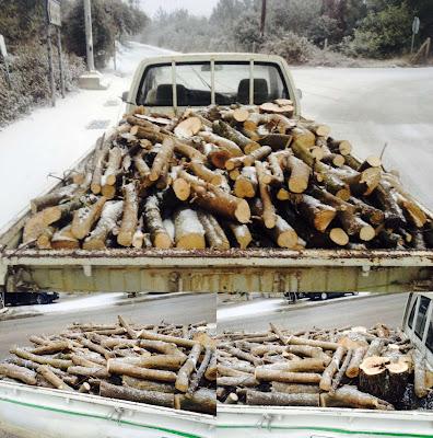 Πωλούνται ξύλα για τζάκι