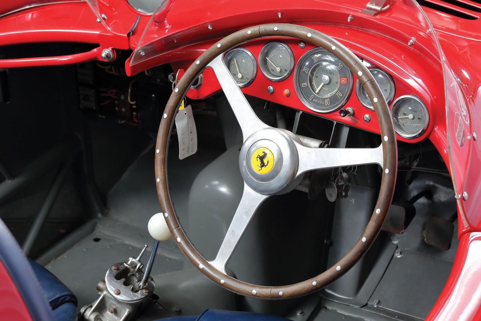 Ferrari-750-Monza-Scaglietti-4.JPG