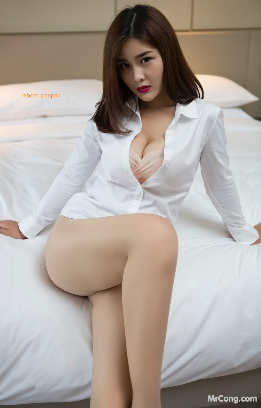 Image Yan-Pan-Pan-Part-4-MrCong.com-011 in post Người đẹp Yan Pan Pan (闫盼盼) hờ hững khoe vòng một trên giường ngủ (40 ảnh)