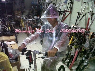jas hujan sepeda