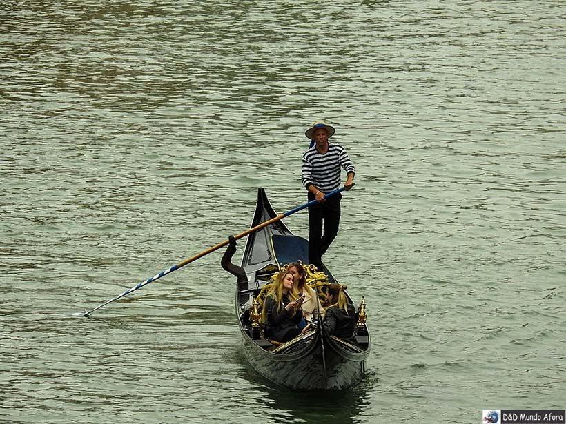 Passeio de gôndola - O que fazer em Veneza