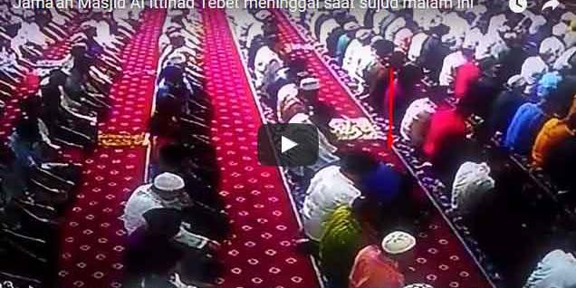 Masya Allah,, Jama'ah Masjid Al Ittihad Tebet Meninggal Saat Sujud, Ini Vidionya..