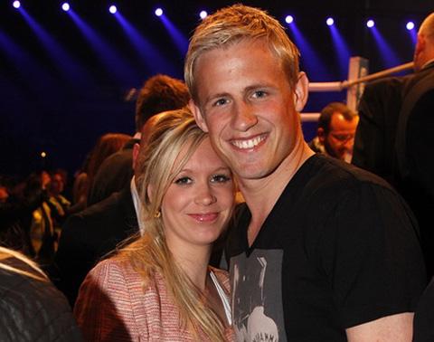 Kasper và vợ của mình