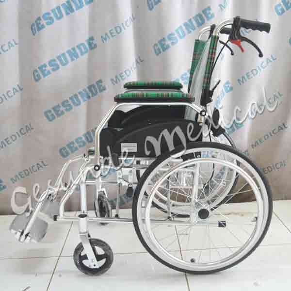 kursi roda standar murah
