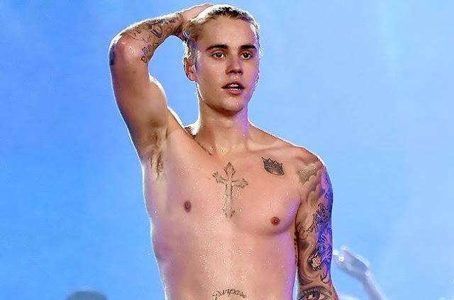 Justin Bieber fue captado desnudo de nuevo en Hawaii (FOTOS)