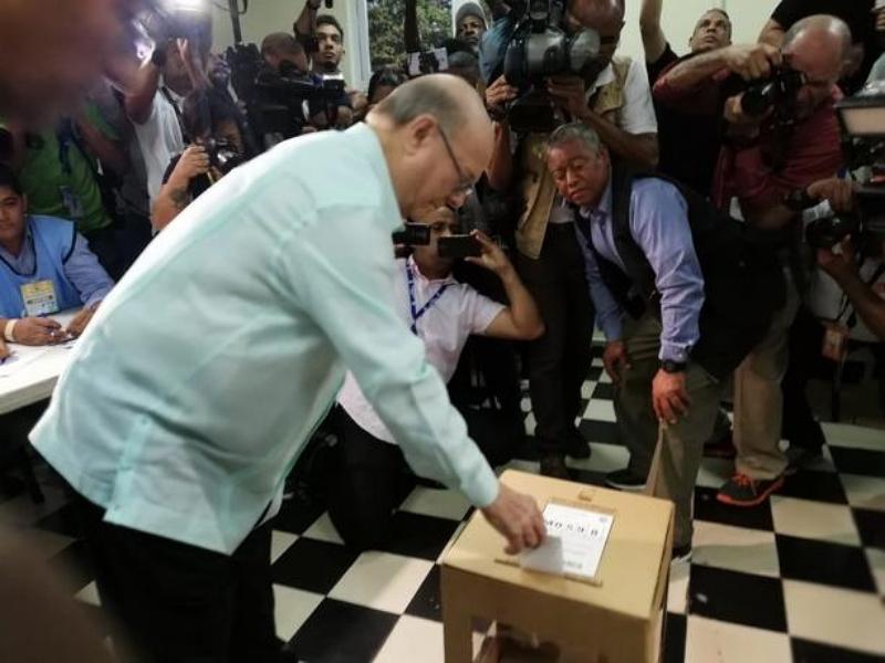 Video: Hipólito Mejía ejerce su derecho al voto en el Archivo General de la Nación