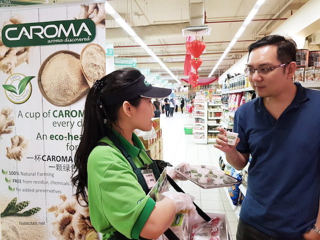 Trying out the samples of Caroma Bentong Ginger Tea
