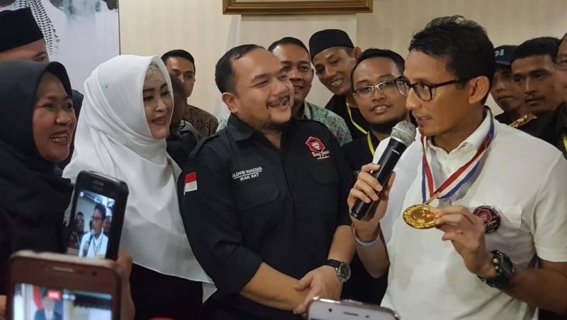 Sandiaga Uno menerima kunjungan Bang Japar