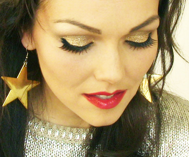 18e7ee69aef kandeej.com: Holiday Makeup Tutorial: EYE GLITTER