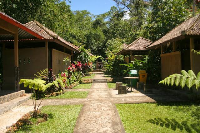 Wisata Pemandian Air Panas Angseri Tabanan Bali
