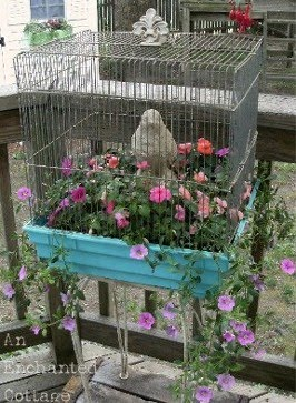 How to make a birdcage planter for your garden