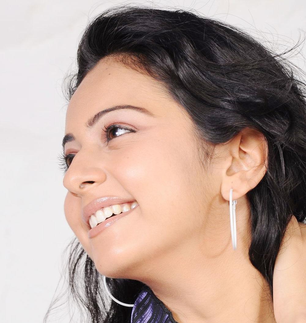 Rakul Preet Singh Hot Big White Teeths Show Face Close Up Photos