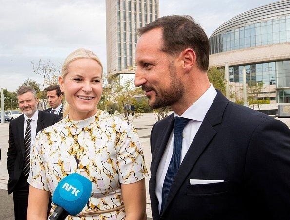 Crown Prince Haakon, Crown Princess Mette-Marit, Mulatu Teshome Wirtu, Tone Skogen and Andreas Gardner