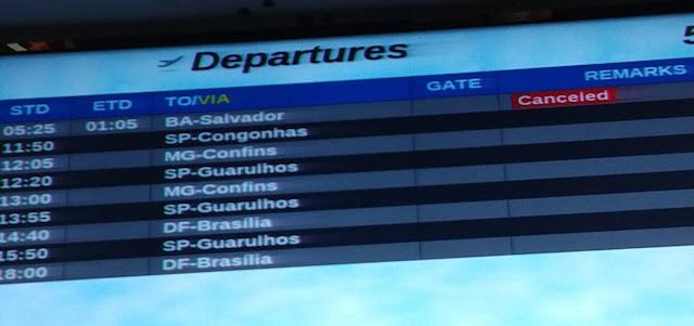 Voo é cancelado em Porto Seguro e passageiros esperam mais de 12h por novo embarque