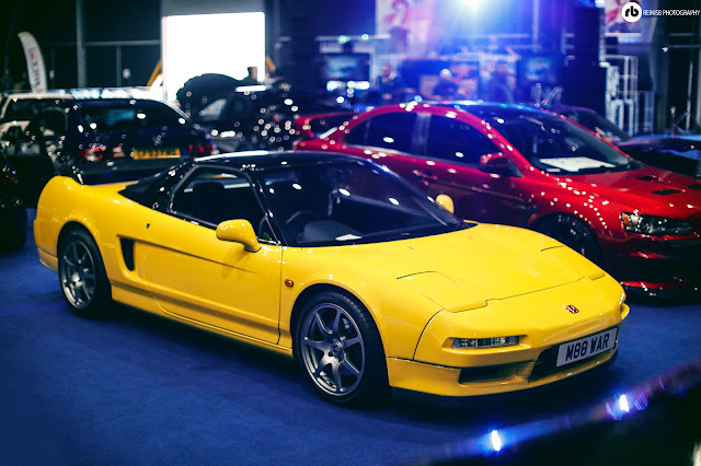 The NSX Was Powered By A Powerful Aluminum 3.0 V6 Vtec Engine And Driven By  Rear Wheels.