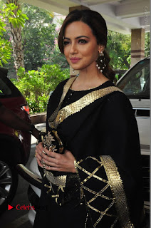 Bollywood Actress Sana Khan Launches Aakrithi Exibition  0160.JPG