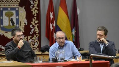 Ahora madrid, bandera de españa, republicana, podemos, retiro, junta