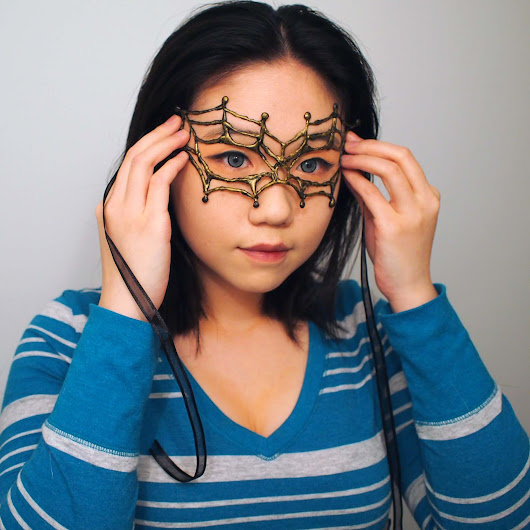DIY Masquerade Mask - Fun with hot-glue and some paint!