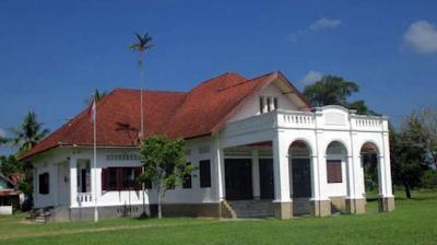 Istana Karang Bergaya Belanda di Aceh Tamiang