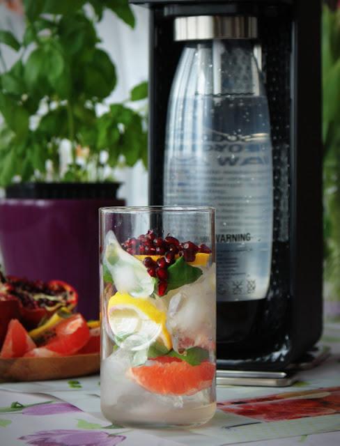 SodaStream,woda gazowana,napoje gazowane,ekspres do wody gazowanej, granat,cytryna,grejpfrut