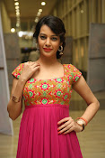 Deeksha panth new gorgeous stills-thumbnail-18
