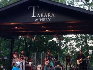 Tarara winery concert