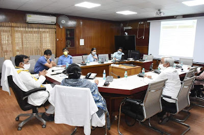 नई राष्ट्रीय शिक्षा नीति राष्ट्र एवं उत्तर प्रदेश को सफलता की नई ऊंचाईयों तक ले जायेगी -डॉ० सतीश चन्द्र द्विवेदी     संवाददाता, Journalist Anil Prabhakar.                                                                                             www.upviral24.in